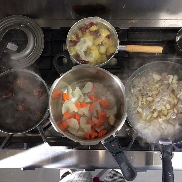 それぞれの野菜がそれぞれの音で煮えていく匂い