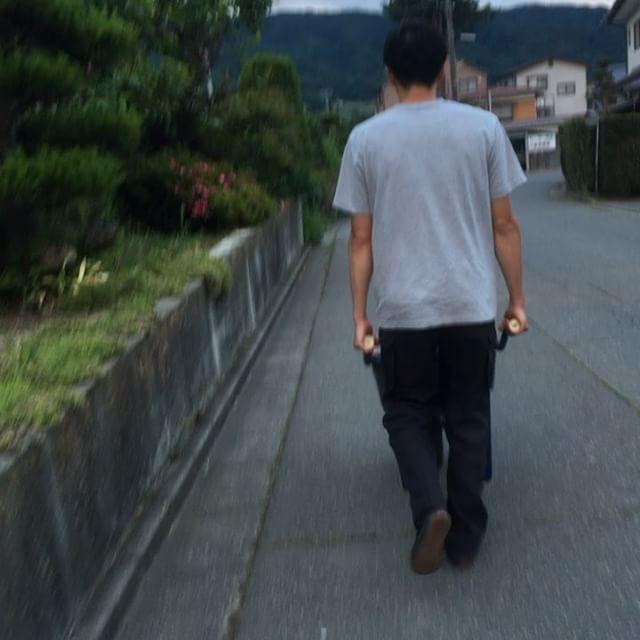 夕方散歩さむい